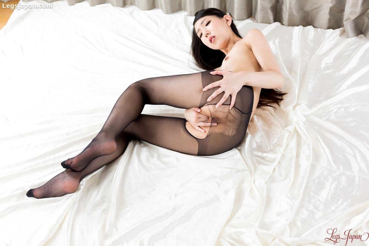 Rio Kamimoto masturbates wearing nothing but a trashed pantyhose at Legs Japan. Uncensored Japanese Leg and Foot Fetish videos.